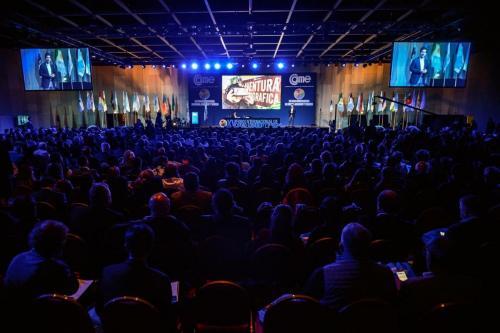 conferencias a gran escala